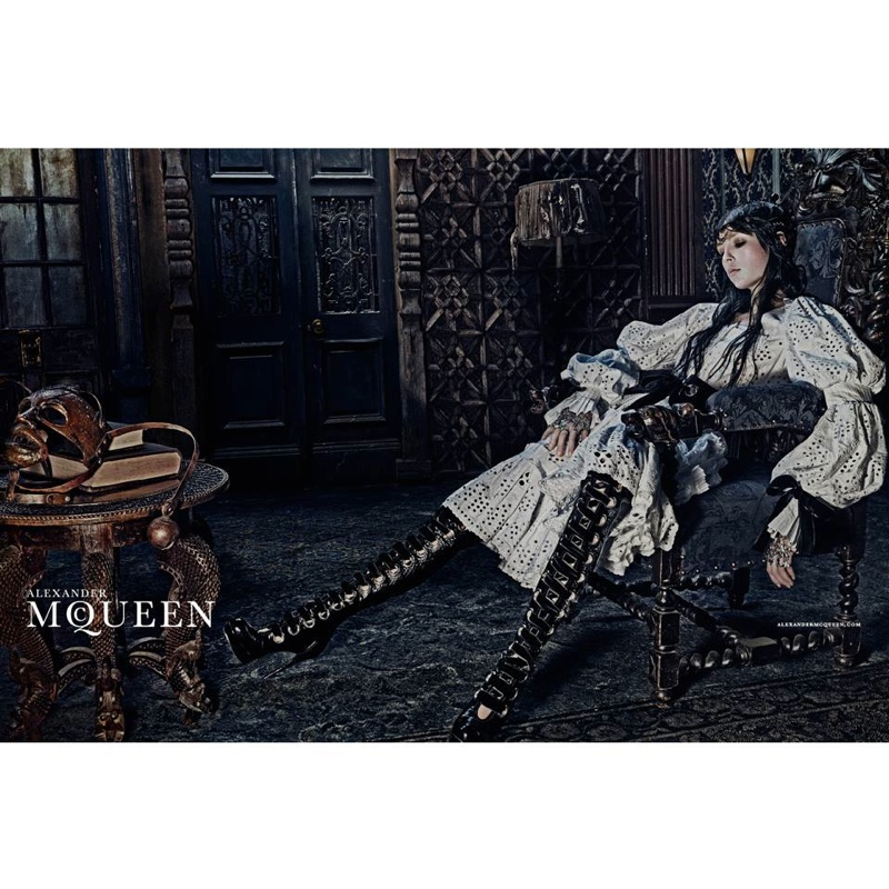 alexander-mcqueen-2014-fall-winter-campaign5
